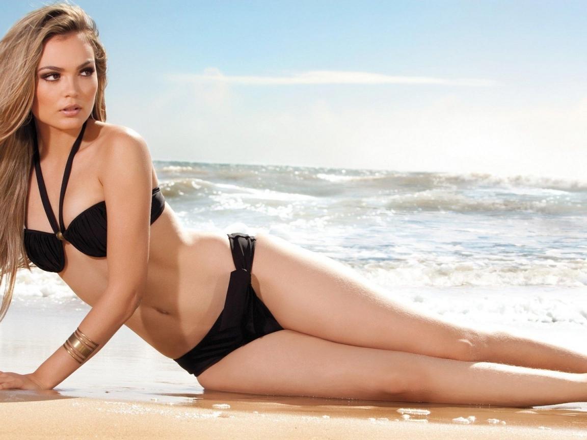 Debora Campos en bikini - 1152x864