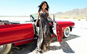 Selena Gomez y su auto