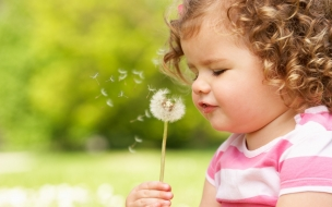 Una pequeña niña