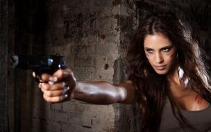 Chicas y pistolas
