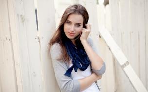 Linda chica de ojos azules