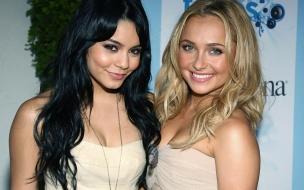 Vanessa Hudgens y su amiga