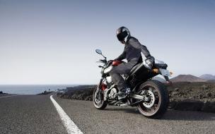 Motos en la carreteras