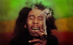 Bob Marley fumando