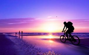 Recorriendo en bicicleta