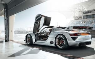 Porsche 918 roadster