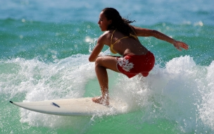 Chica Surf