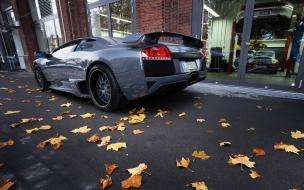 Un Lamborghini de atrás