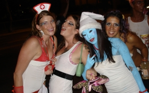 Chicas en fiesta de halloween