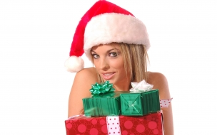 Rubia con gorrito de navidad