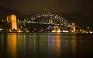 Puente en ciudad