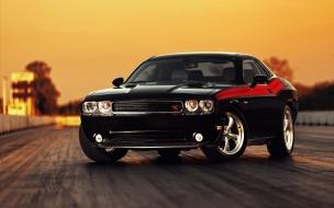 Dodge Challenger negro