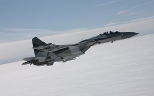 Aviones de guerra volando