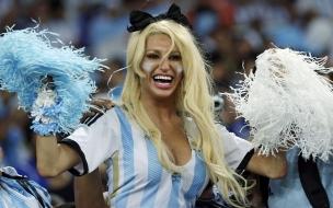 Una hincha rubia Argentina