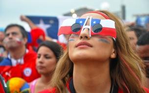 Bella chilena apoya a su selección
