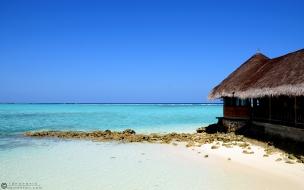 Playas de aguas celestes