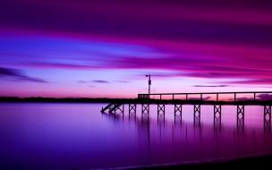 Atardecer violeta y purpura