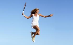 Salto de una bella tenista