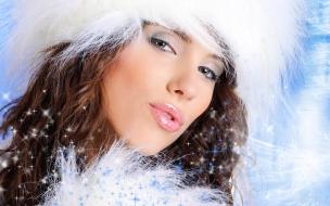 Bello rostro de mujeres en navidad