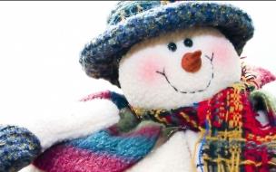 Peluche de hombre de las nieves tejido