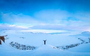 Hombre en la nieve