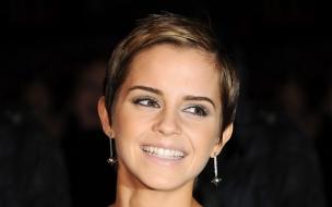 Emma Watson con una bella sonrisa