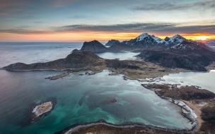 Fotografías aéreas de playas y montañas
