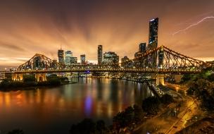 Fotografía de puentes y rayos