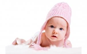 Un bebe con chuyo