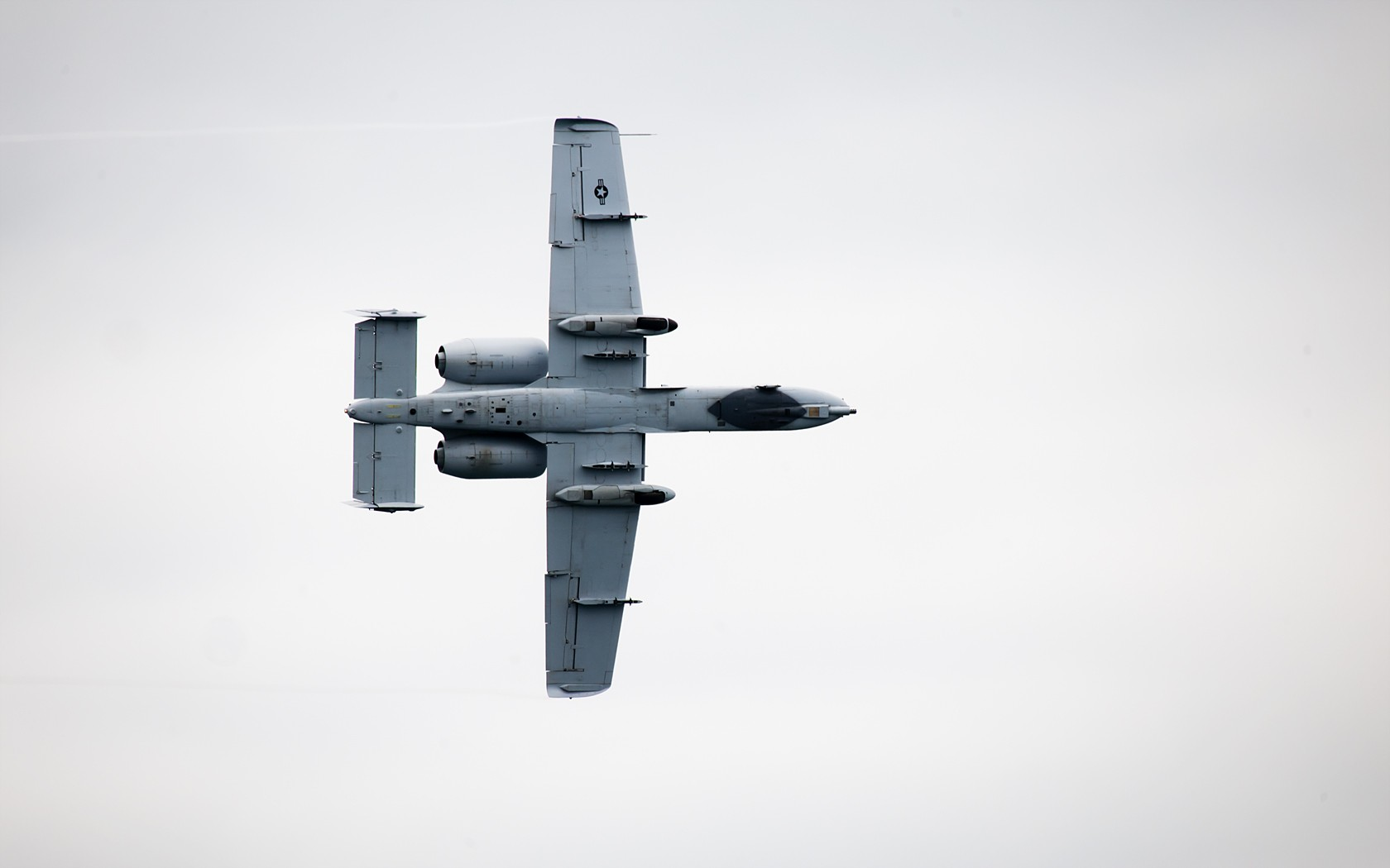 A-10 Thunderbolt II - 1680x1050