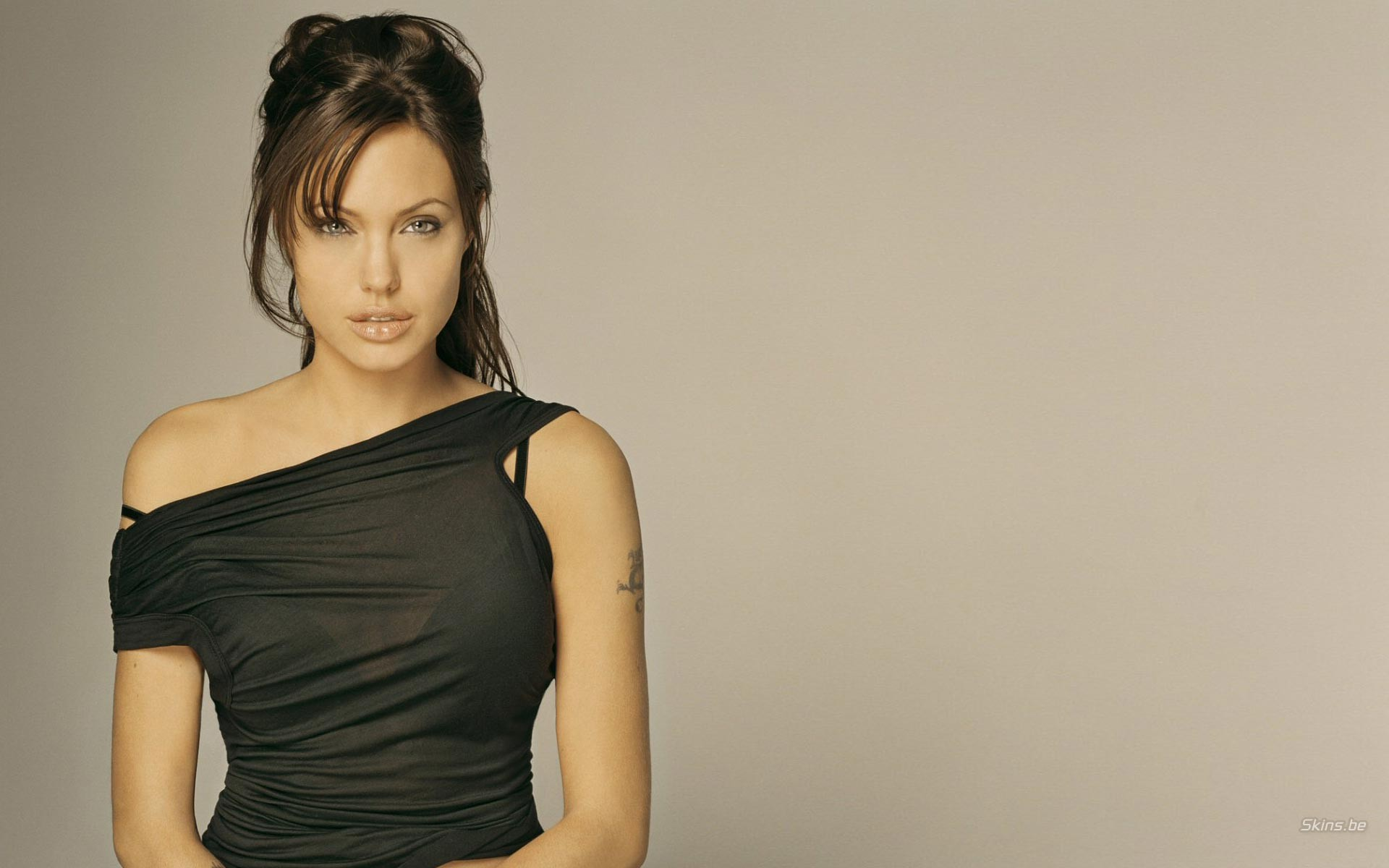 Angelina Jolie y cancer de mama - 1920x1200