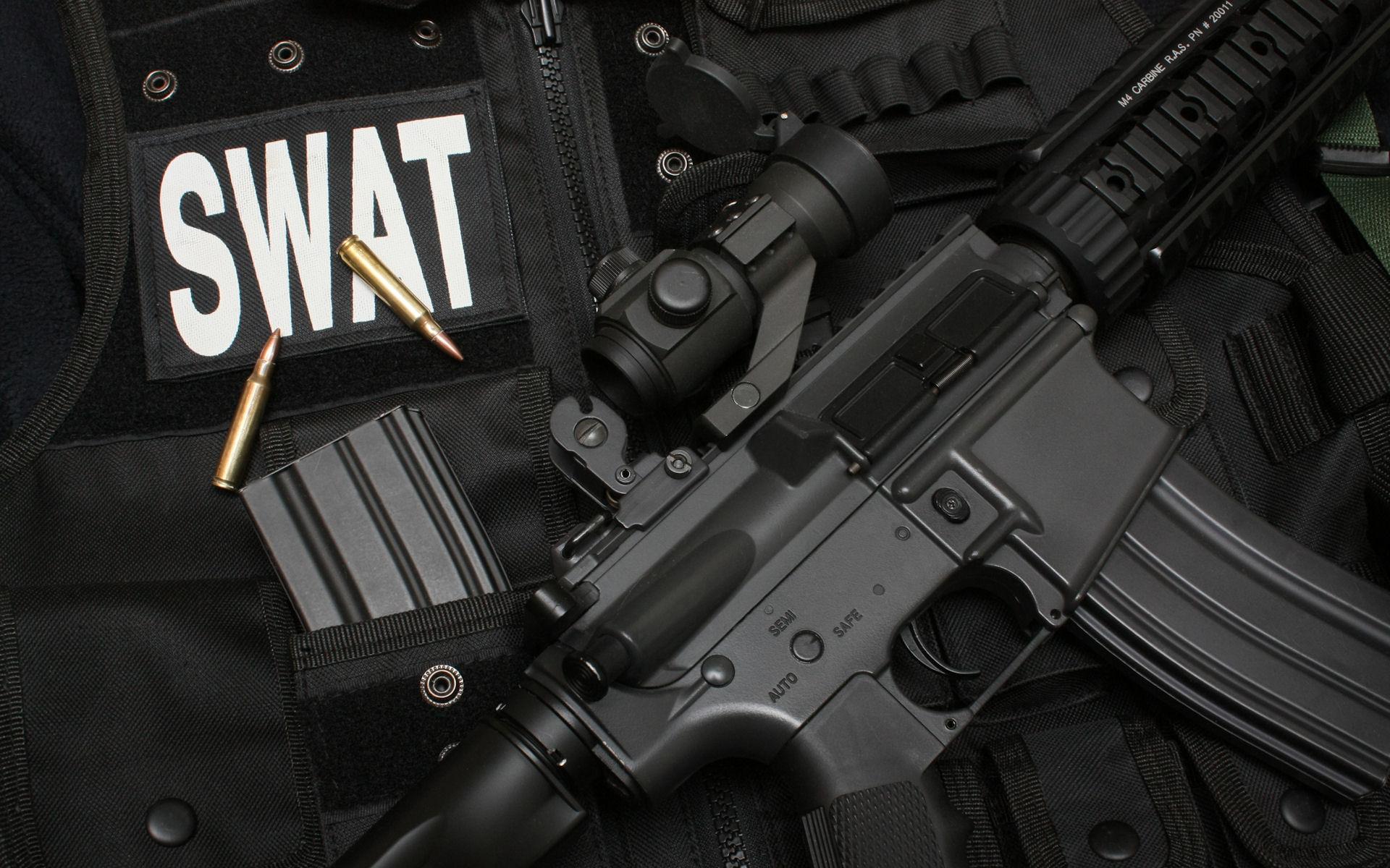 Armas y SWAT - 1920x1200