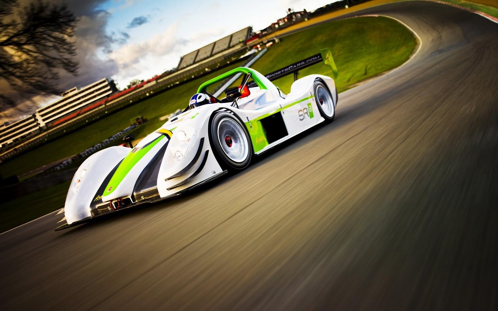Auto F1 verde - 1680x1050