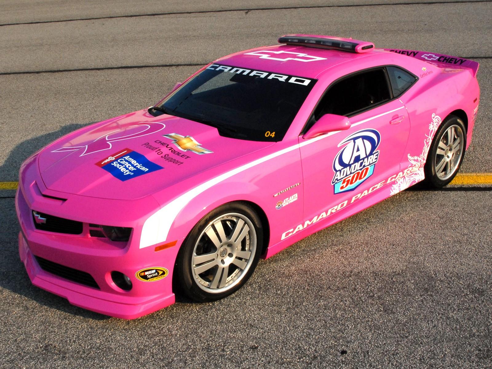 Auto rosado - 1600x1200