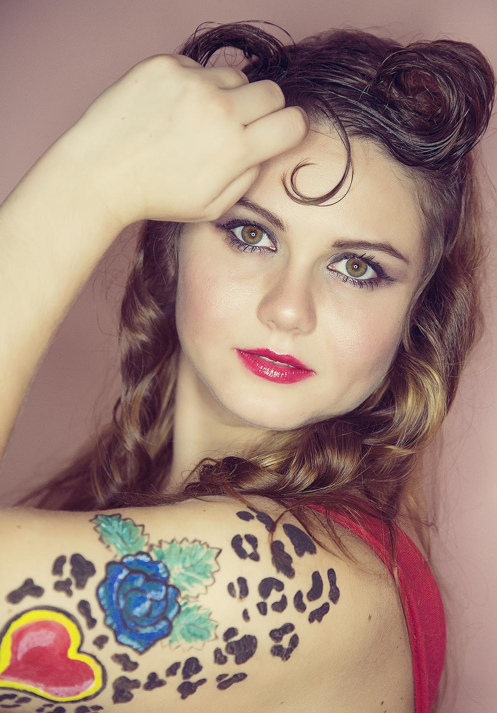 Bella con sus ojos verdes - 1000x1432