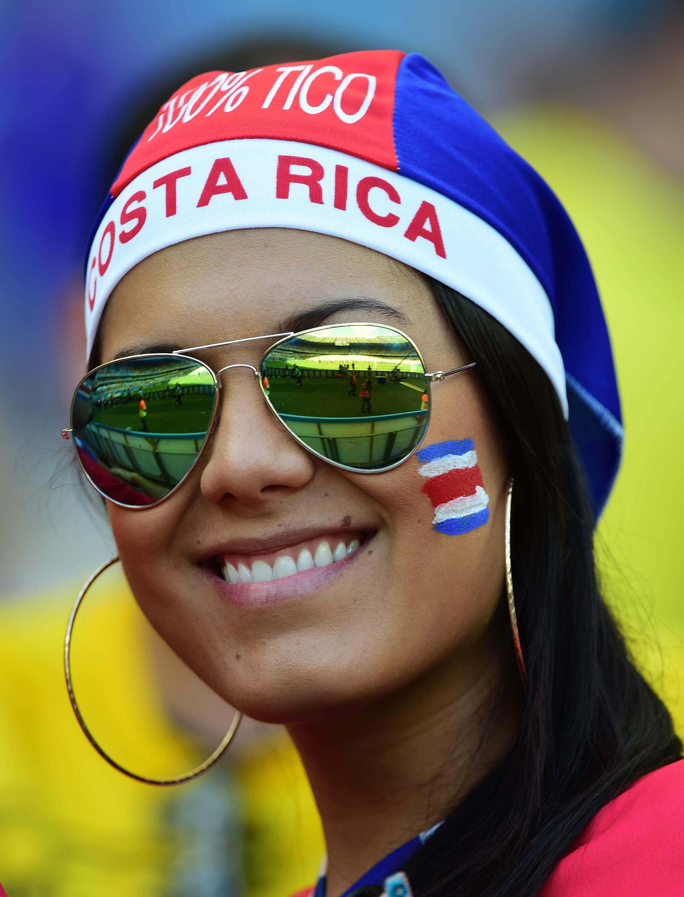 Bella hincha de Costa Rica - 2718x3561
