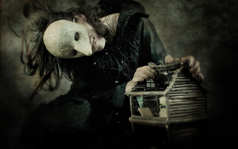 Chica con mascara terrorifica - 1440x900