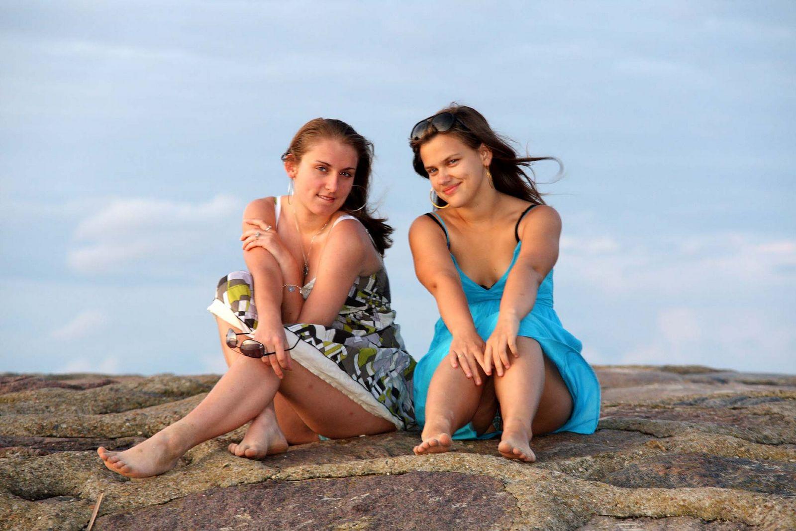Chicas bellas en las playas - 1600x1067