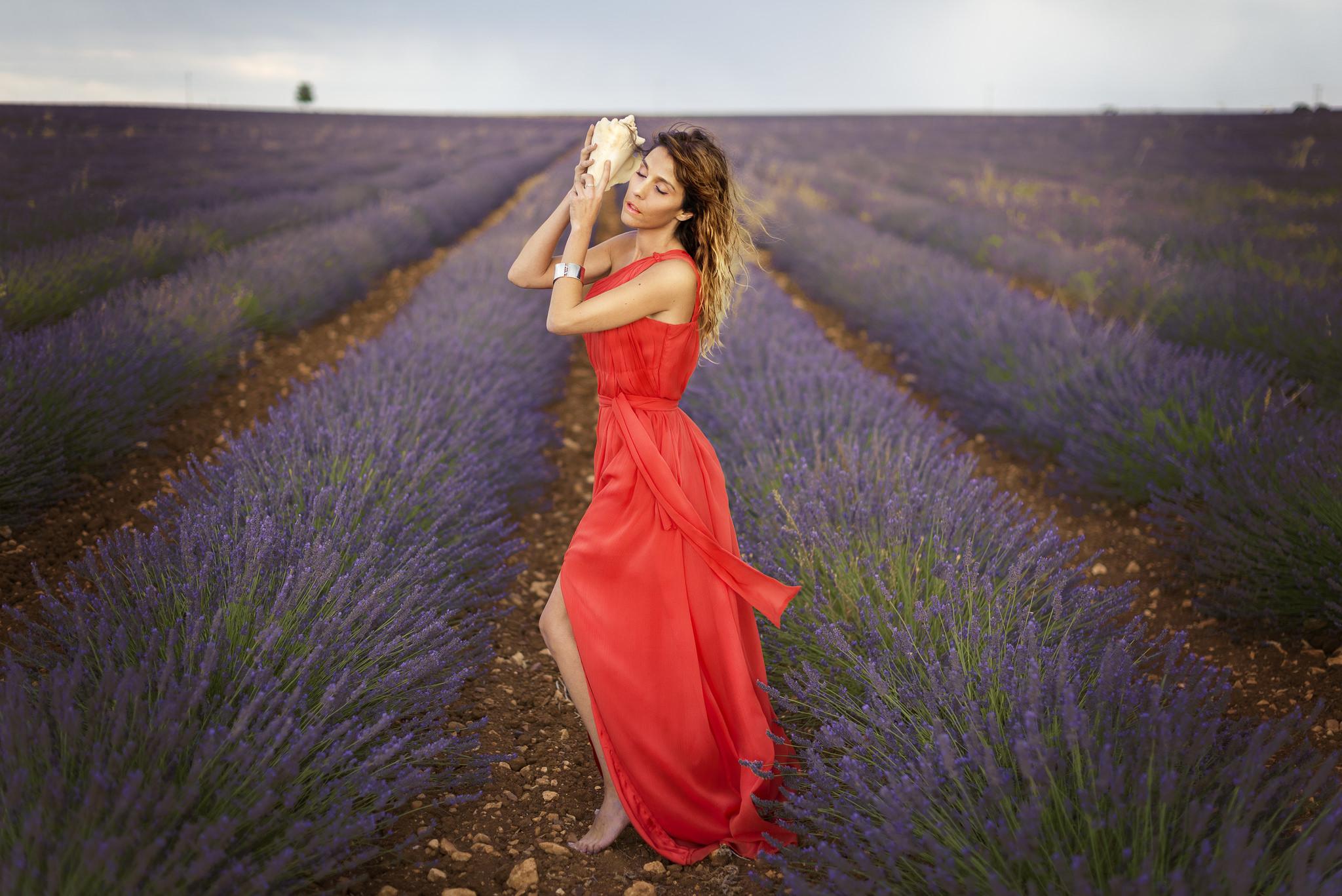 Chicas bellas y paisajes - 2048x1367