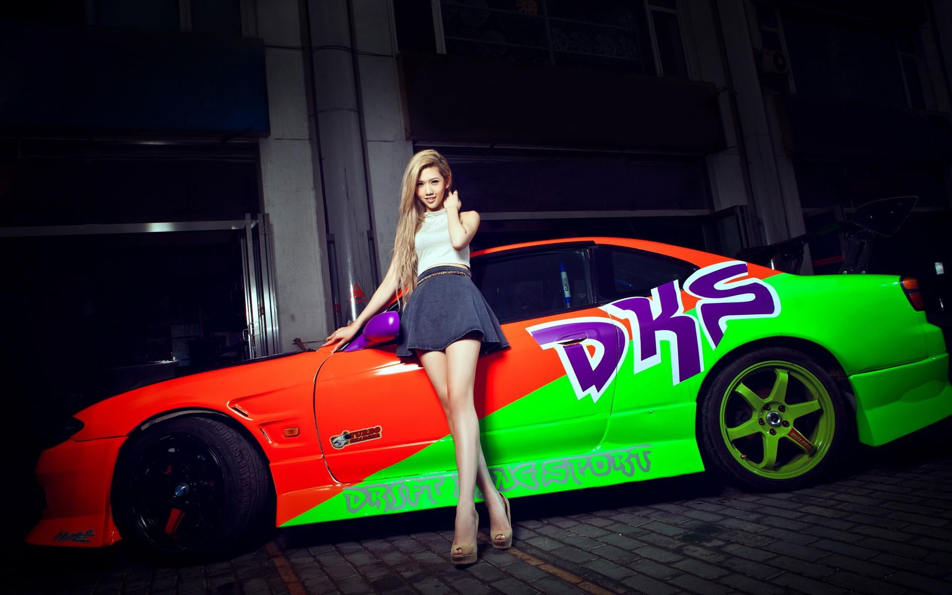 Chicas y carros - 1920x1200