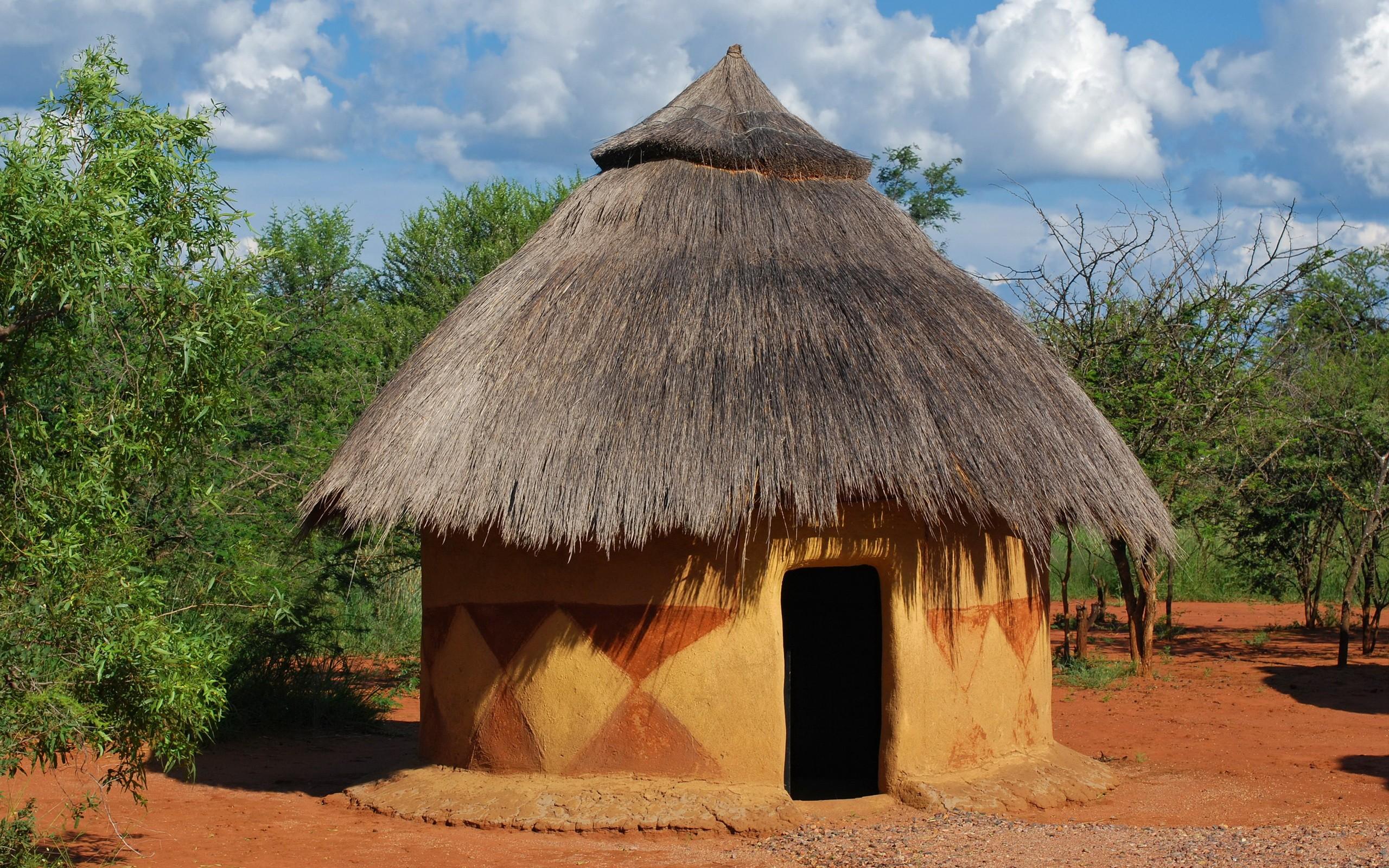 Choza tradicional de paja - 2560x1600