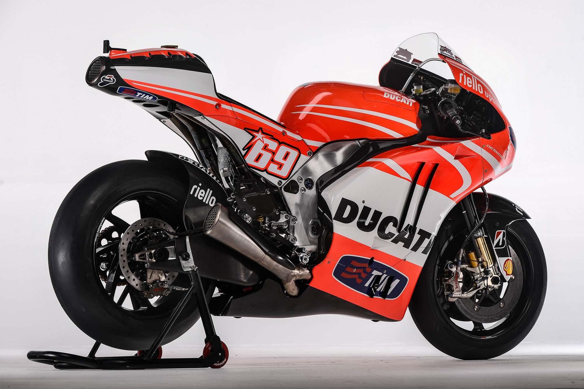 Ducati Desmosedici GP13 - 2000x1333