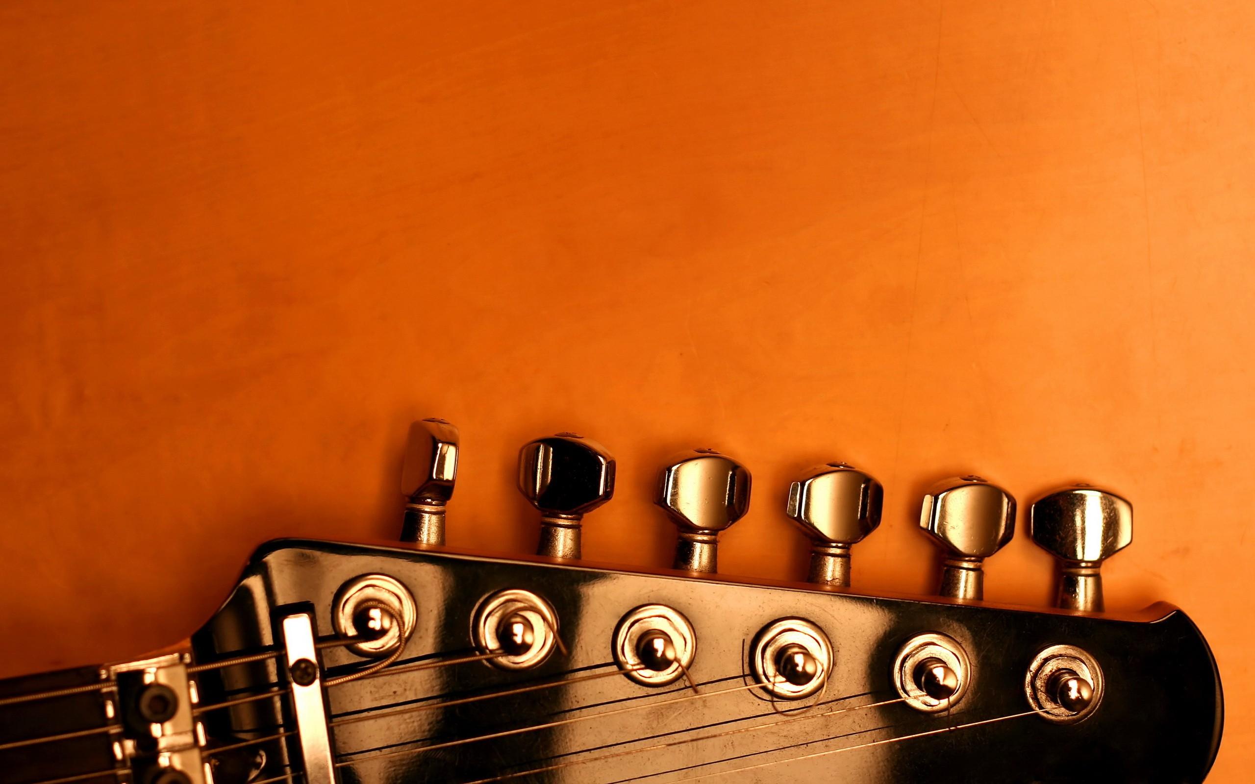 El clavijero de la guitarra - 2560x1600