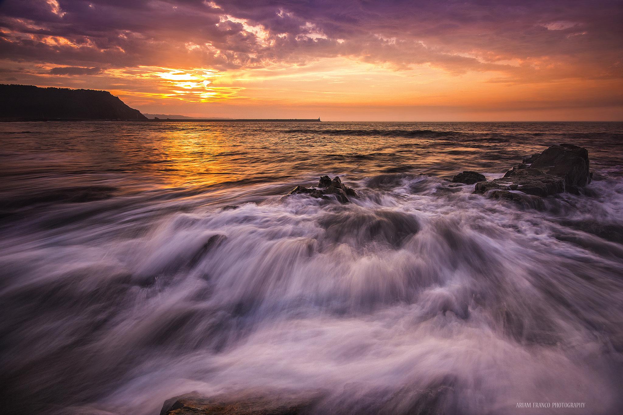 El mar y las rocas - 2048x1366