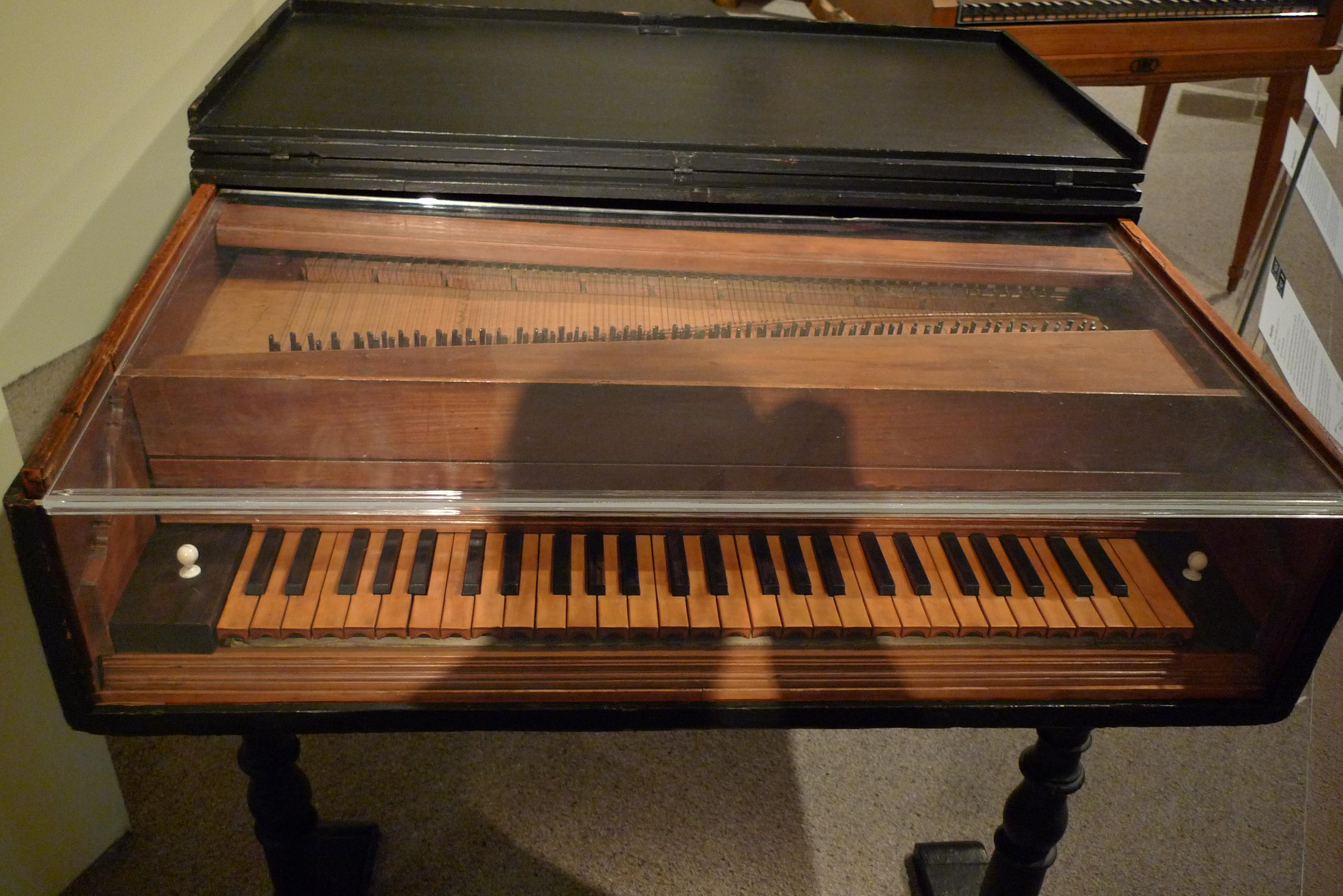 El piano más antiguo del mundo - 3776x2520