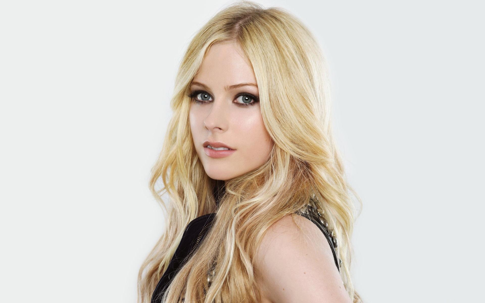 El rostro de Avril Lavigne - 1920x1200
