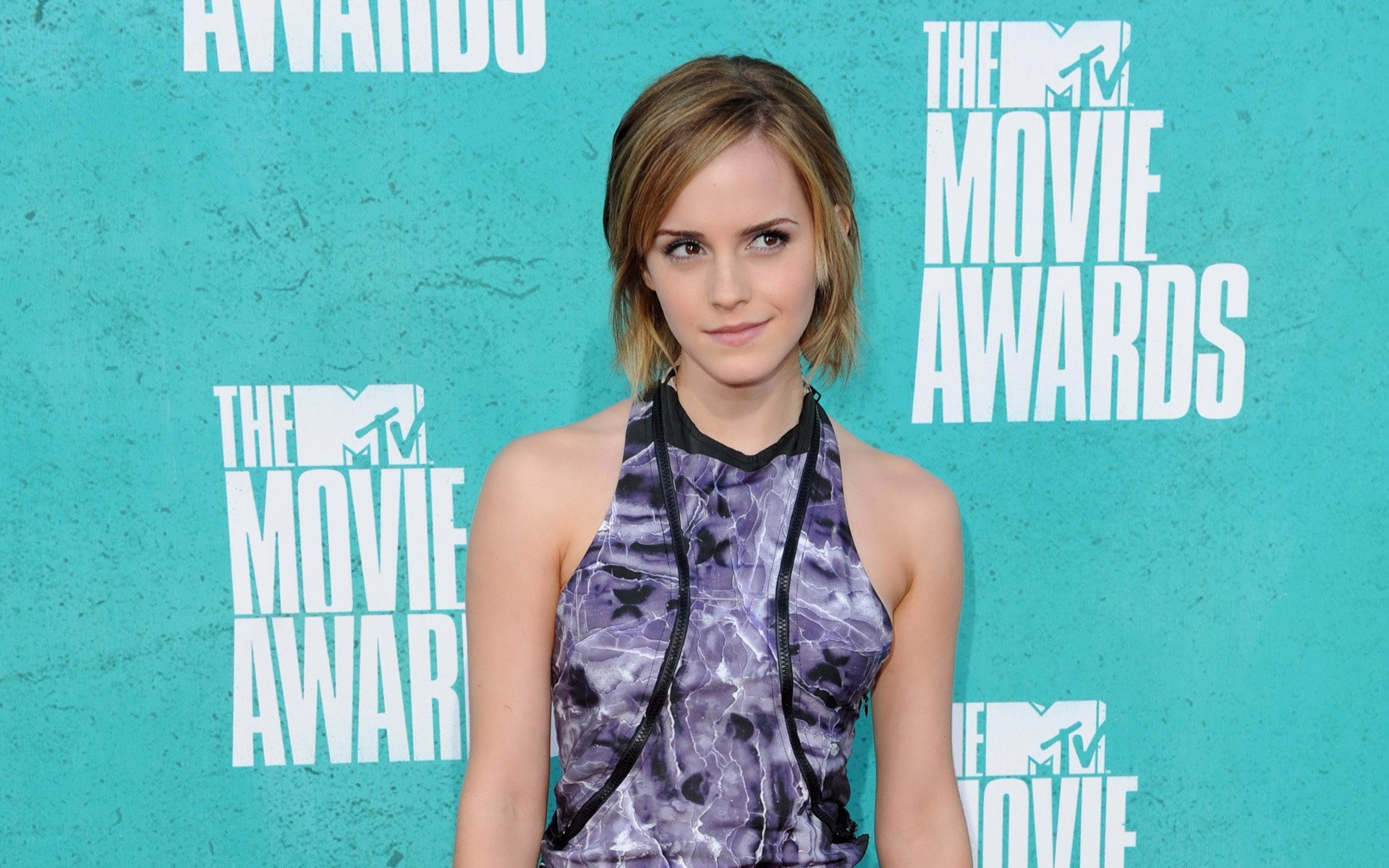Emma Watson en la premiación - 1920x1200