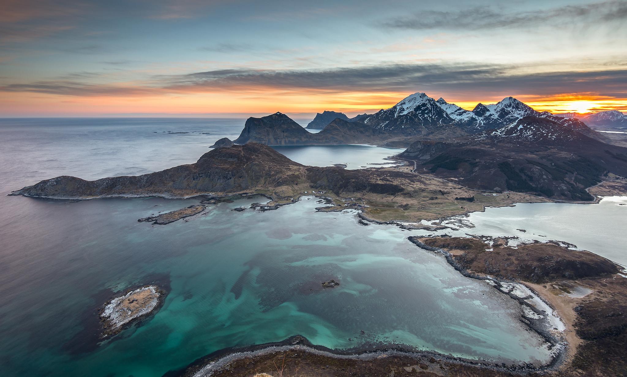Fotografías aéreas de playas y montañas - 2048x1232