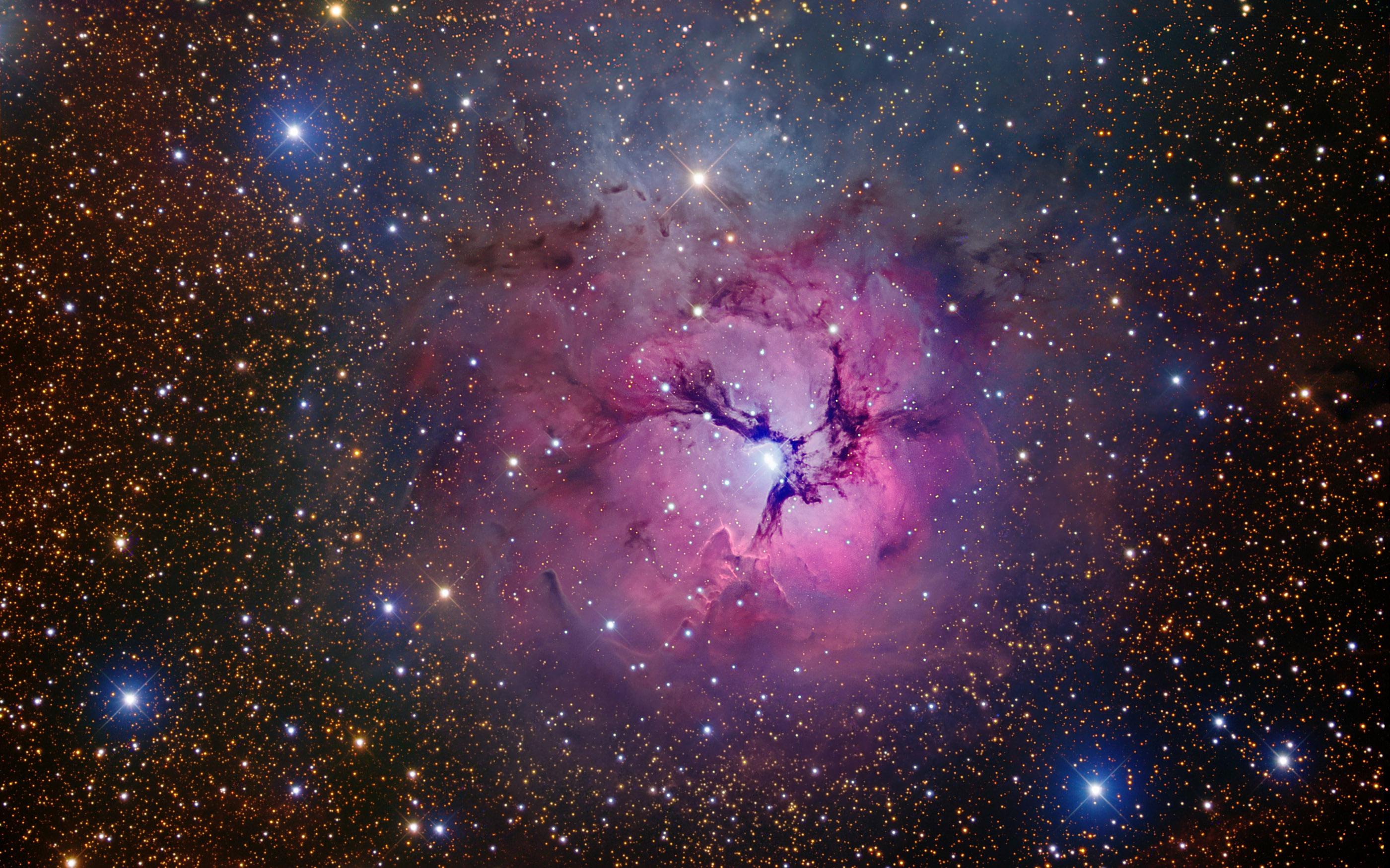 Fotos de una galaxia y sus estrellas - 2800x1750