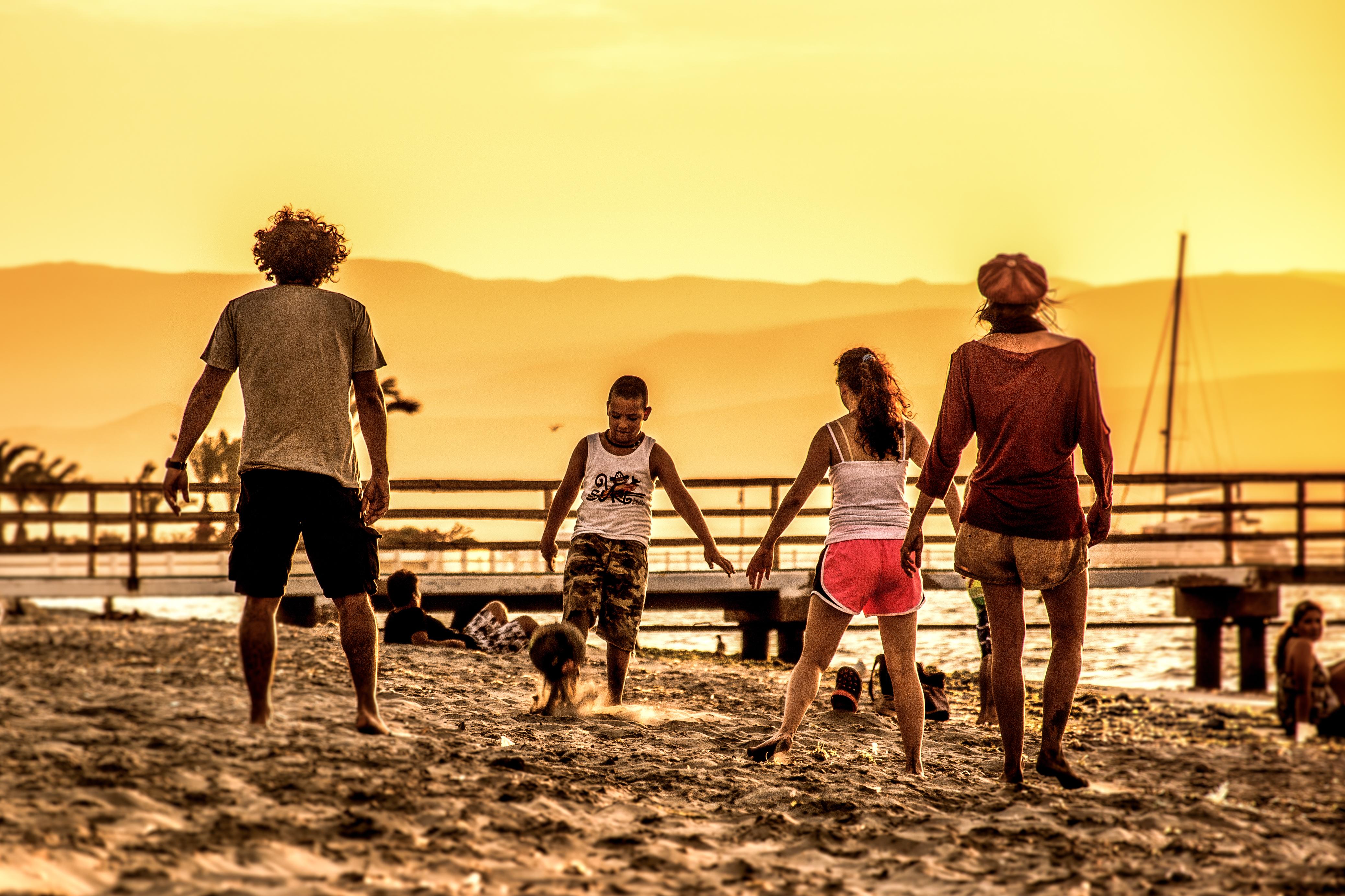 Futbol en la playa - 4152x2768